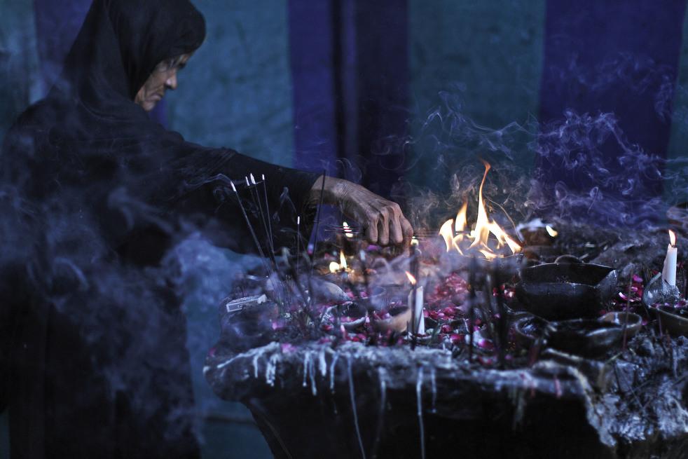 ритуал с черной курицей неоклассического дизайна интерьера